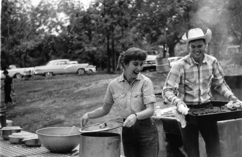 Dom-and-Judy-Hicks-cooking.jpg